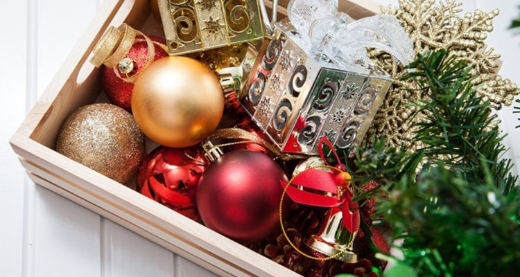 holiday decoration discounts